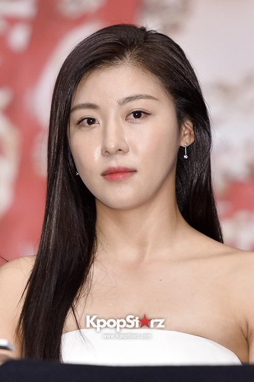 Ha Ji Won, Baek Jin Hee   MBC Empress Ki Press Conference - Oct 24, 2013 [PHOTOS]   KDramaStars