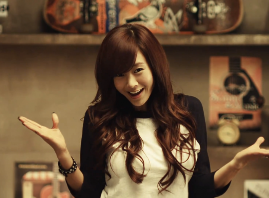 """G.NA Delays Comeback """"Waiting for Further Survivors on Sewol"""""""