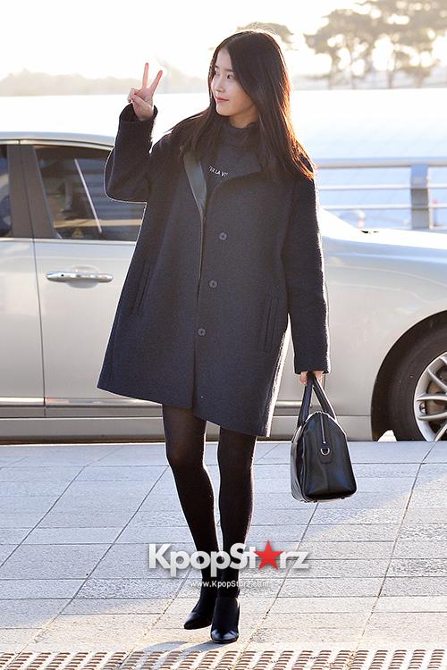 IU at Incheon International Airport Leaving for 2014 MAMA in Hong Kong