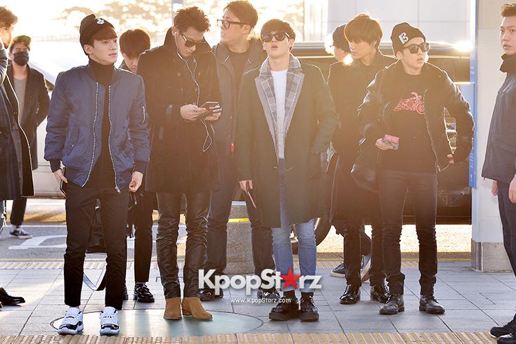 EXO at Incheon International Airport Leaving for 2014 MAMA in Hong Kong