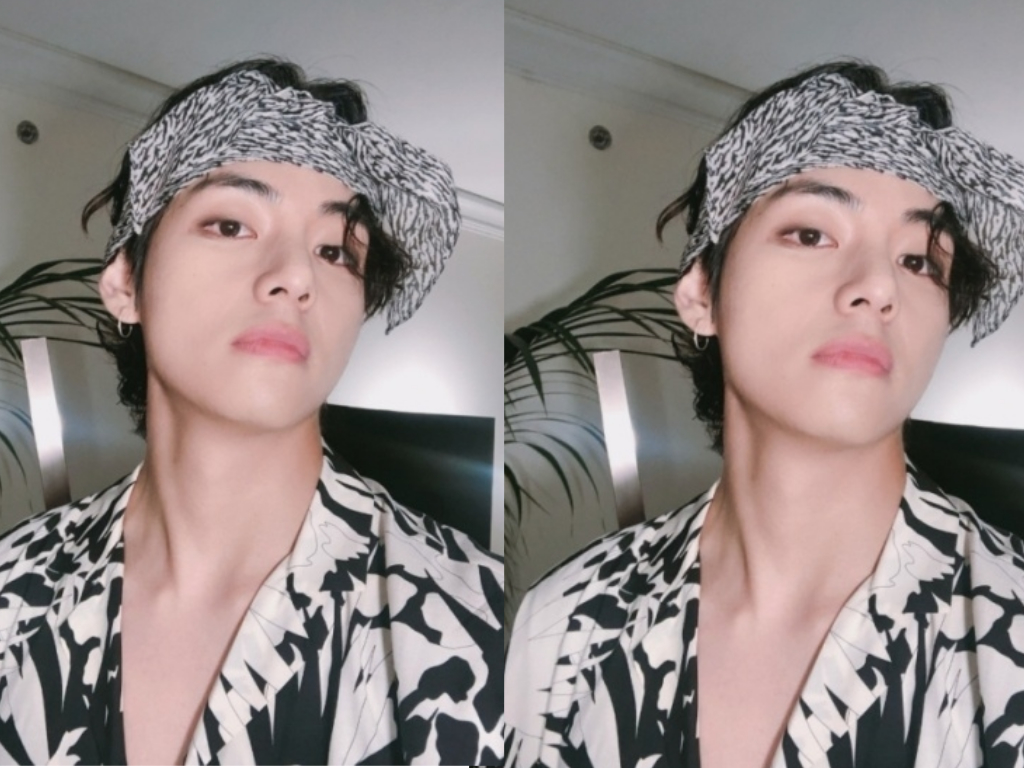 bts v chic and sexy selfie in their weibo account catches fans attention