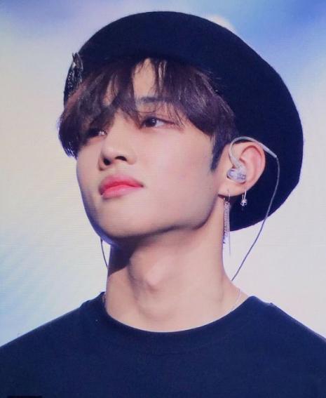 cutest kpop idols on berets