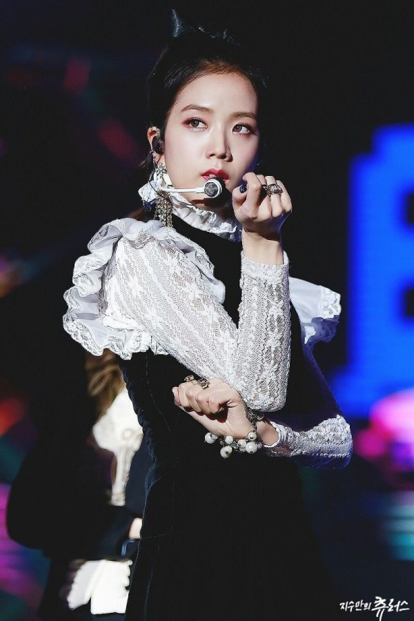 Top 6 BLACKPINK's Best Outfit in History According to K-netizens