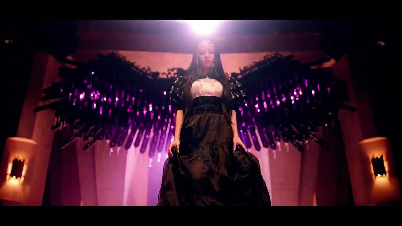 Blackpink Jennie S Chanel Dress Price For How You Like That Mv Will Convince You She S A Real Life Princess Kpopstarz