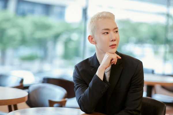 Jo Kwon Reveals His Gender Identity + How Bang Si Hyuk Helped Him