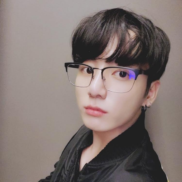top-10-most-popular-male-k-pop-groups-idols-weibo-first-half-2020-18