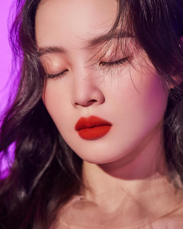 Lee Hi, 1,2,3,4 charm eruption, 'NARS Air Matte Lip Color'