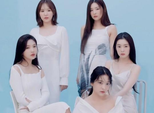 Red Velvet - Seasons Greetings