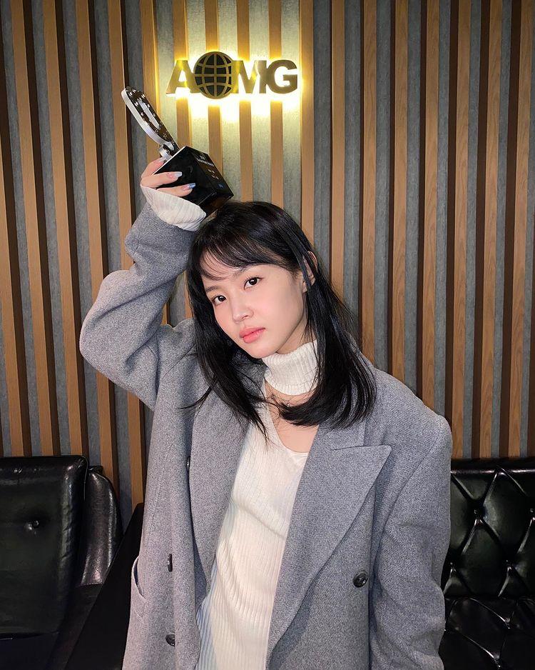 Lee Hi, a beautiful look that feels like a maturity 'becomes prettier'