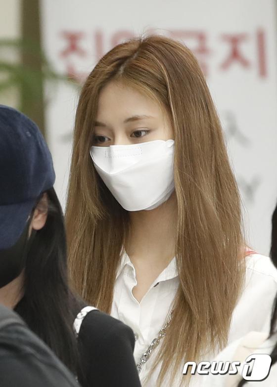 TWICE Dahyun, fine and white skin like white jade