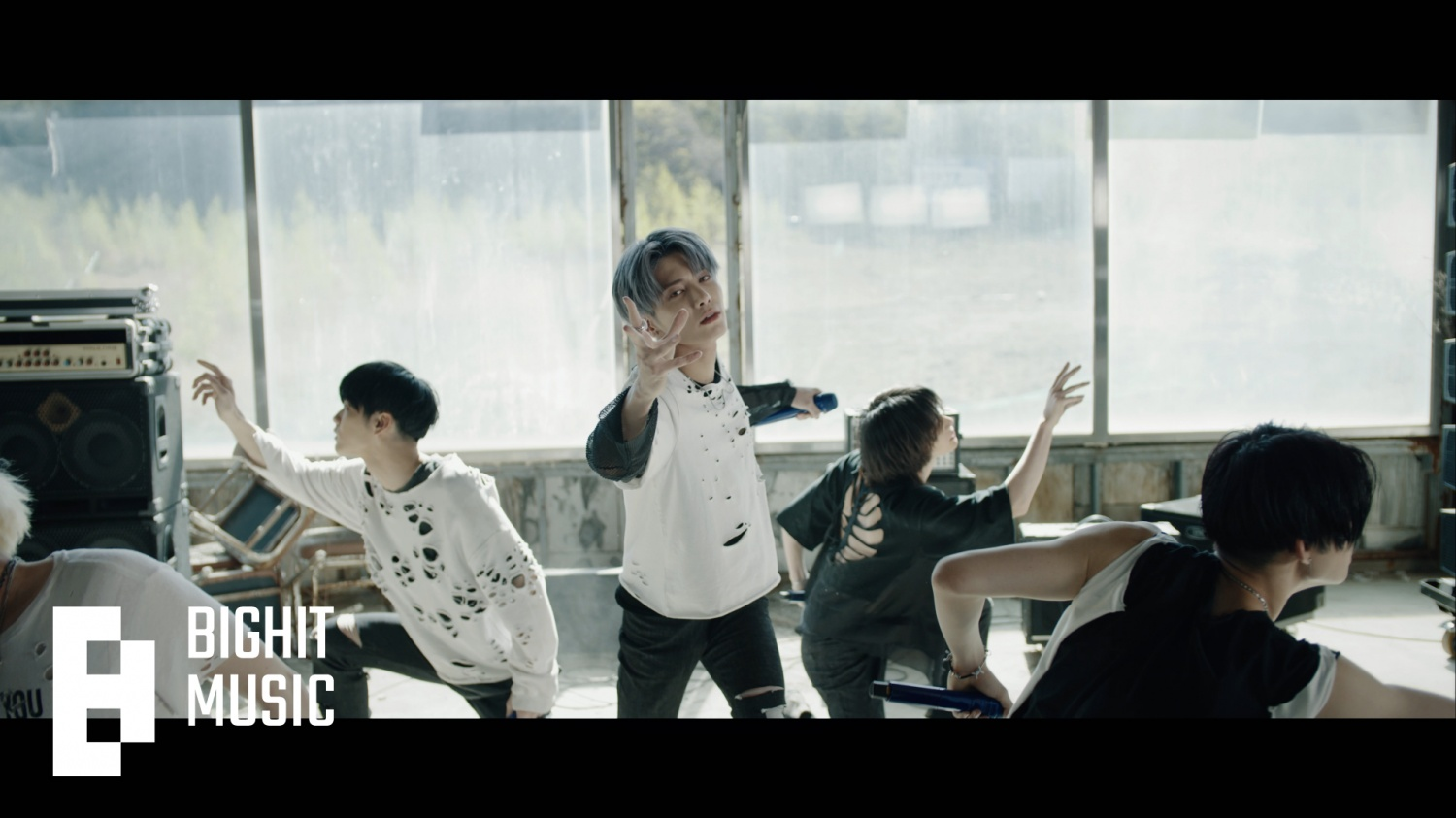 TXT '0X1=LOVESONG' performance version MV released