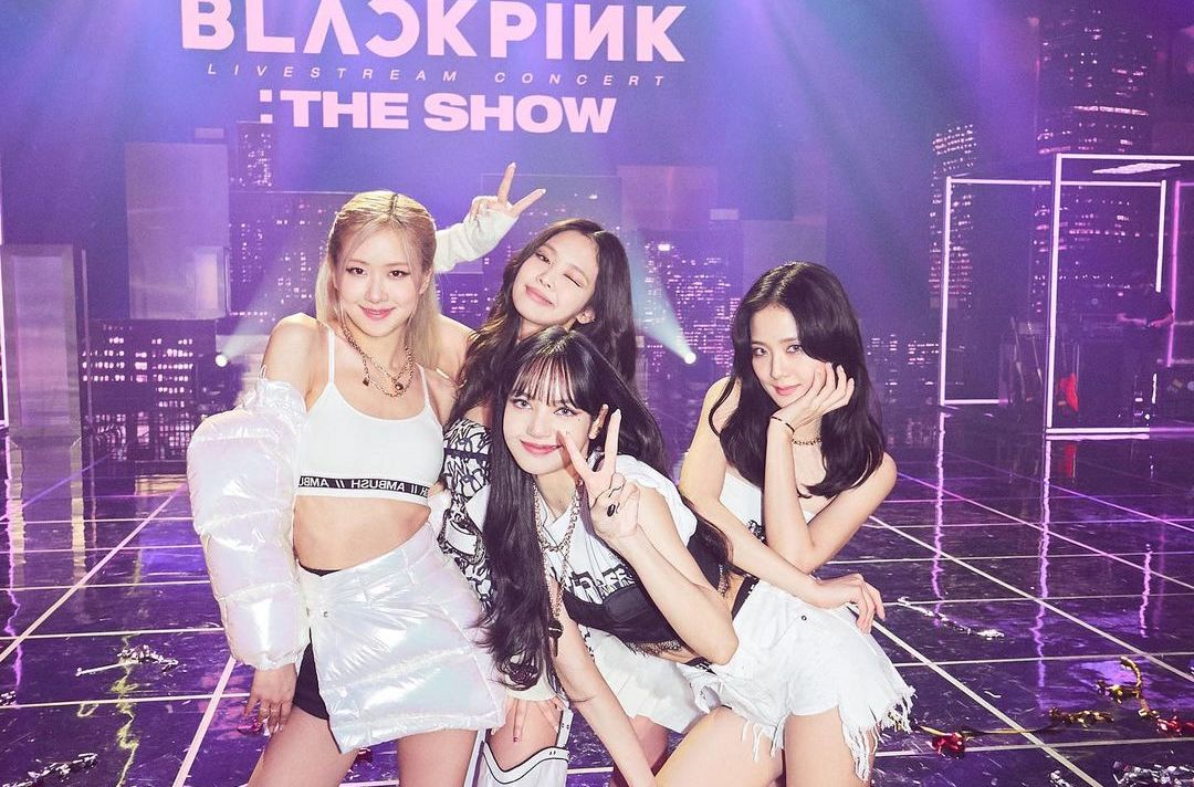 LaLisa, We Love You! Here's 7 Facts About BLACKPINK Lisa's Solo Debut You Need To Know The Honey POP Money BLACKPINK THE SHOW