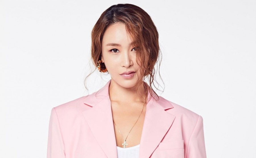 Choreographer Bae Yoon Jung Gives Birth to a Son + Various K-pop Artists Congratulate the First-Time Mom