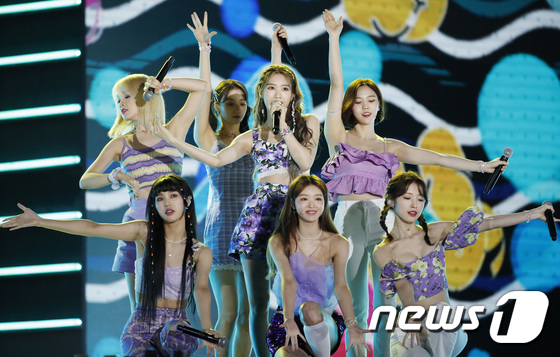 OH MY GIRL, a performance that delights the eyes and ears