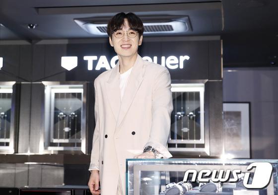 Lee Seok Hoon, soft smile