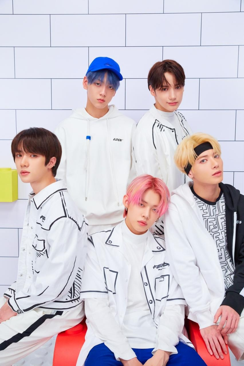 """'4th generation idol representative' TXT """"An existence that can exchange power with the fan club MOA"""""""