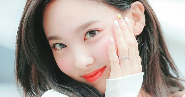 TWICE Nayeon Relationship — The Truth Behind Her Dating Rumors With BTS Jungkook and BTOB Minhyuk