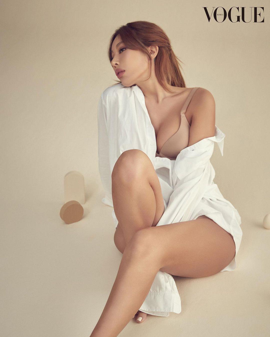 Jessi, underwear pictorial, healthy volume body