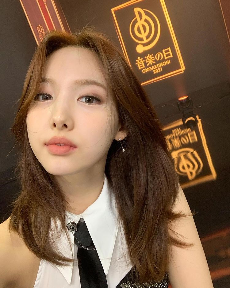 TWICE Nayeon, every moment is a doll.. My heart beats with a fresh smile ♥