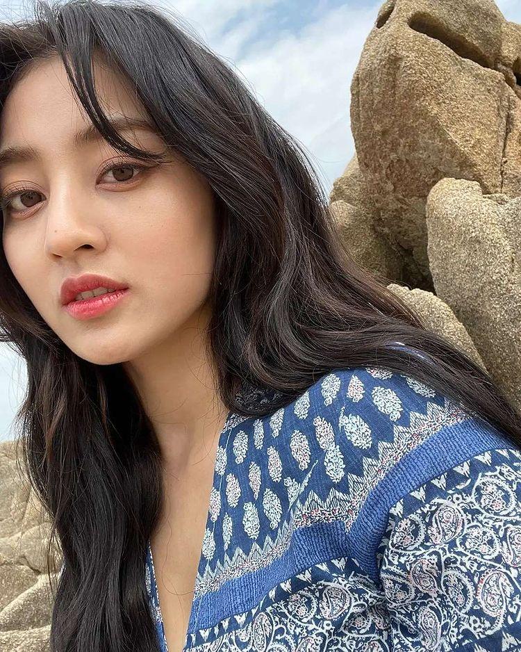 TWICE Jihyo, doll face and porcelain skin