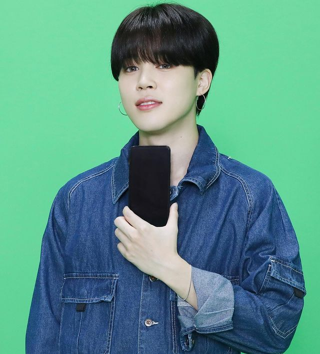 BTS Jimin's self-composed song 'Christmas Love' surpassed 35 million on YouTube.. 'Representative healing song' covering the four seasons