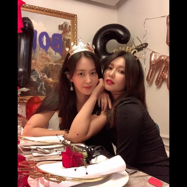 Girls' Generation Yuri and Sooyoung