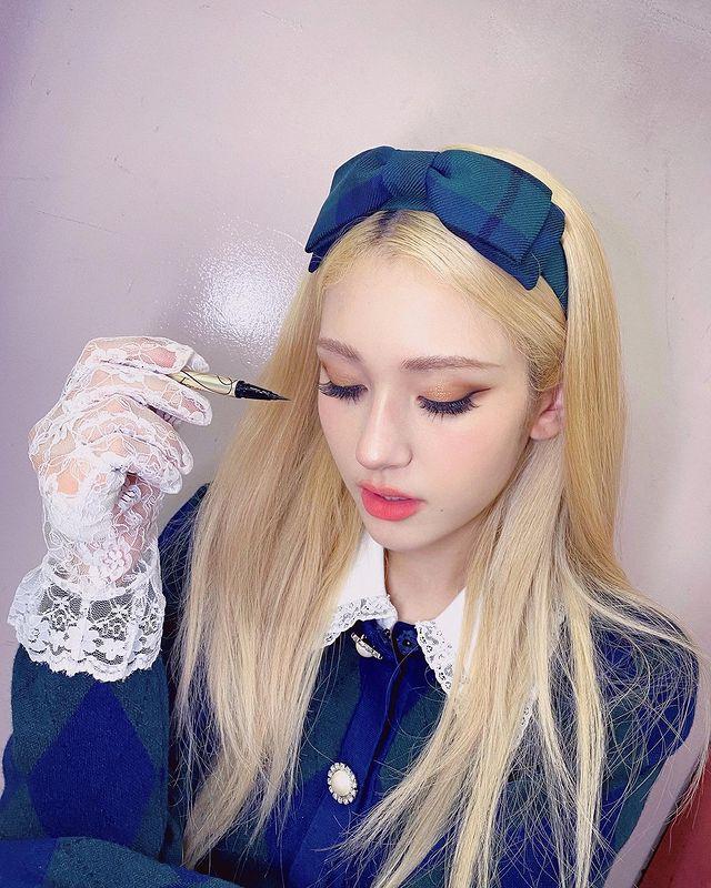 """""""A teen heroine?""""... SOMI, fairy beauty"""