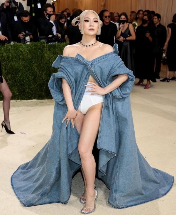CL Appears in Met Gala in her Hanbok Denim Dress
