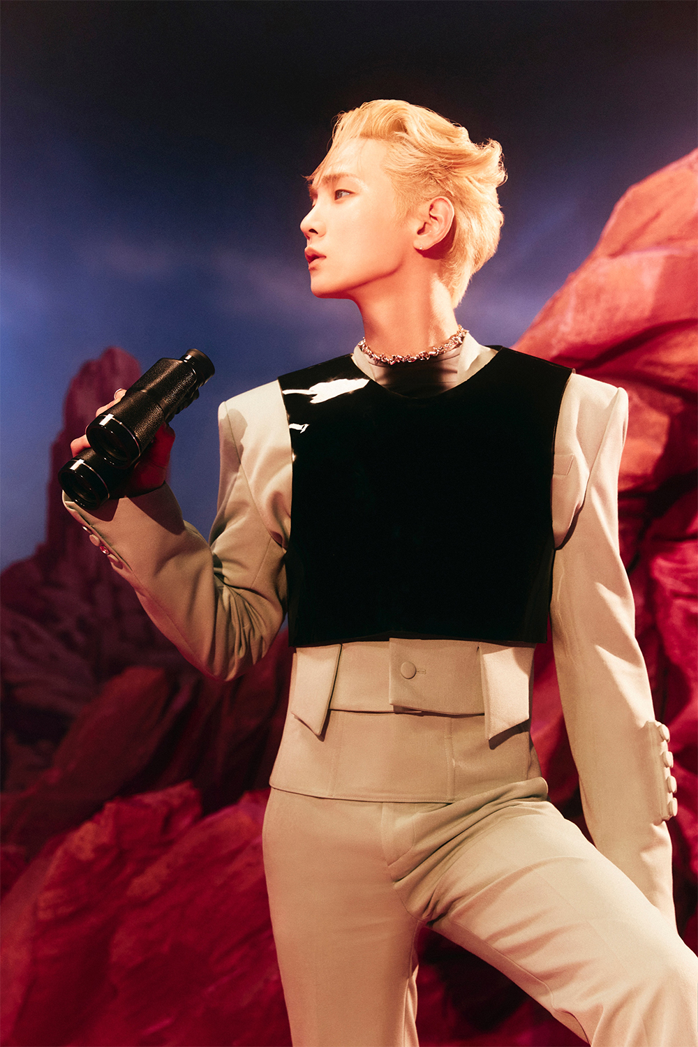 SHINee Key, charisma in a mystery atmosphere... 'BAD LOVE' teaser