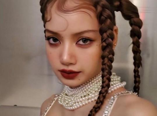 YGX Dancers Praise BLACKPINK Lisa's Dance Skills and Work Ethic