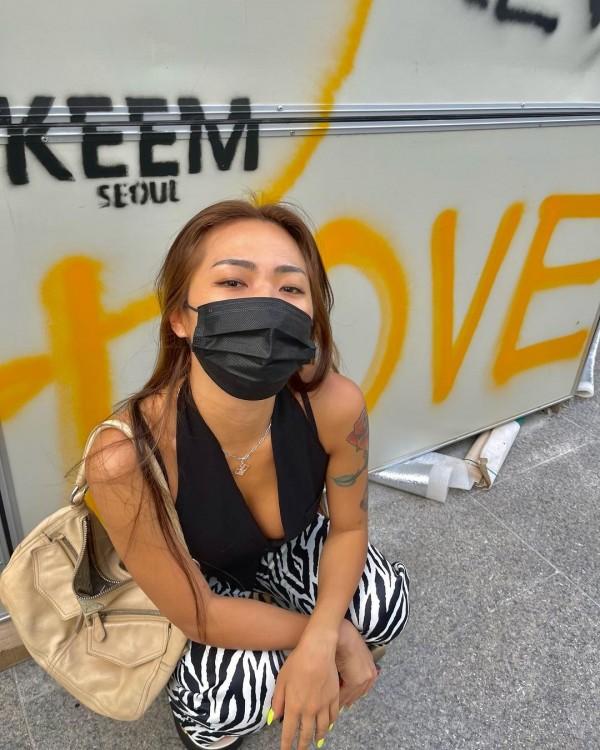 'Street Woman Fighter' HolyBang's Honey J Selects BLACKPINK Lisa as the Best Idol Dancer
