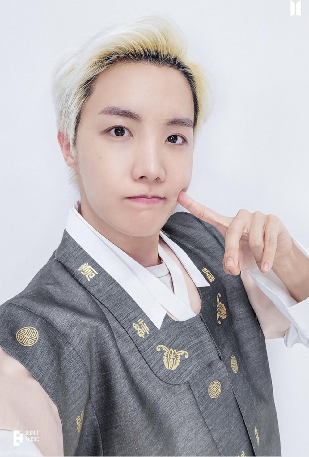 BTS, admiring hanbok figure