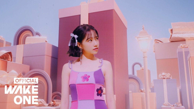 "JO YURI, IZ*ONE take off 'Yuri-like'... ""Role model = Kwon Jin-ah Baek Yerin"""
