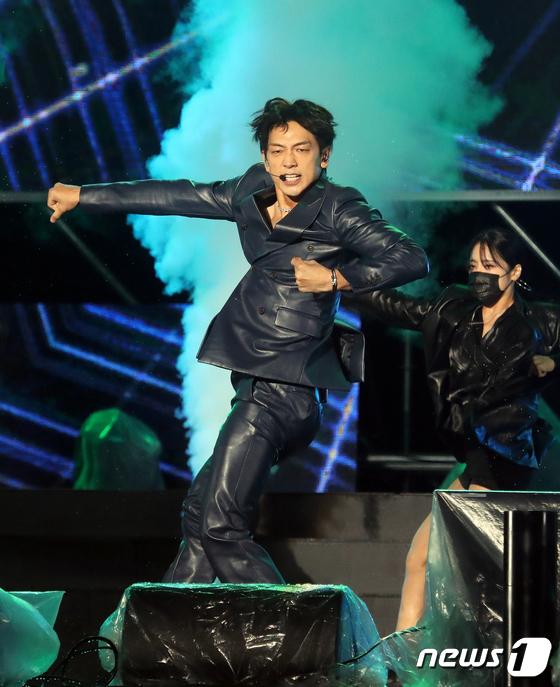 Rain 'Intense Performance'