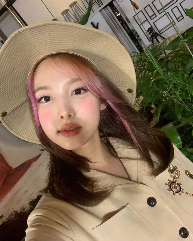 TWICE Nayeon, extremely lovely.. If you're this pretty, it's a foul