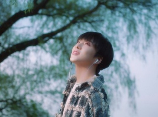 WINNER Kang Seung-yoon releases teaser video for his first solo concert… refreshing smile