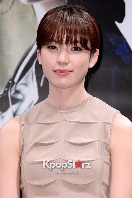 Han Hyo Joo, Jung Woo Sung, Sul Kyoung Gu Attend as a