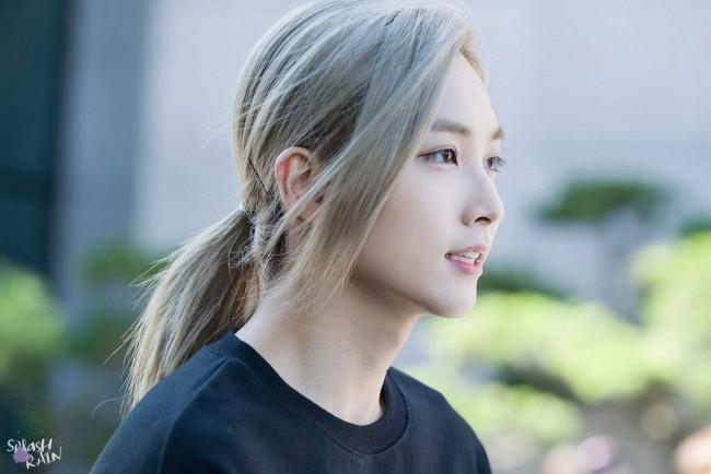 Top 10 Korean Male Idols That Are Way Stunning Than Girls
